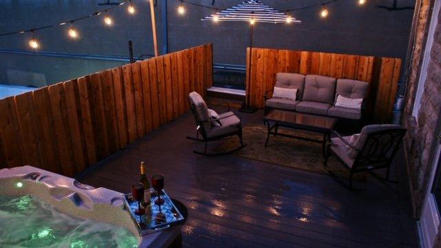 In Town Villas - Suite 2 (2 bedrooms), vacation rental in Fredericksburg