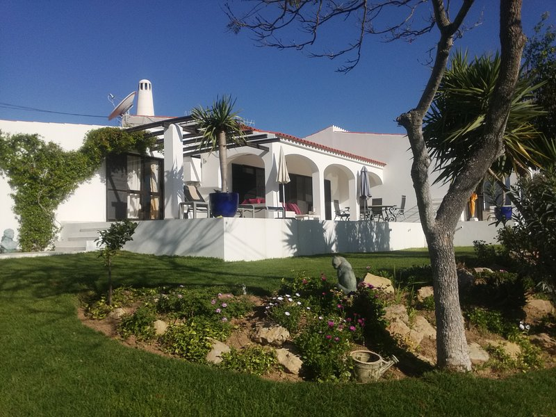 SAO LOURENCO BED AND BREAKFAST – semesterbostad i Loule