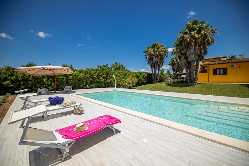 Villa Esmeralda - Taviano, vacation rental in Taviano