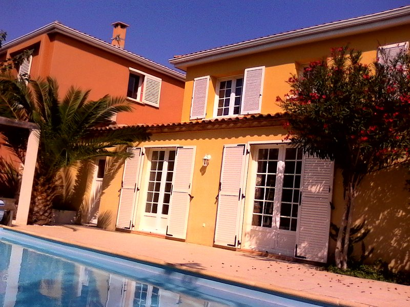 Beautiful apt with pool access, holiday rental in Perols