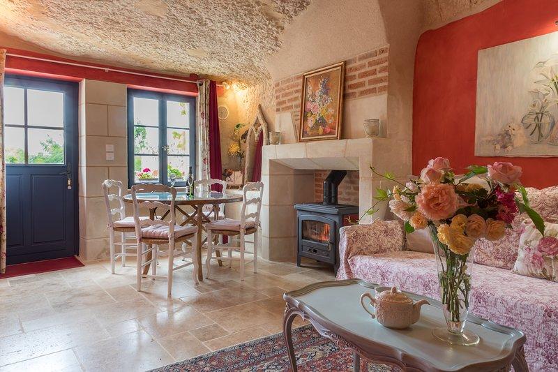 Habitation troglodyte de charme, proche d'Amboise et de la Loire, location de vacances à Reugny