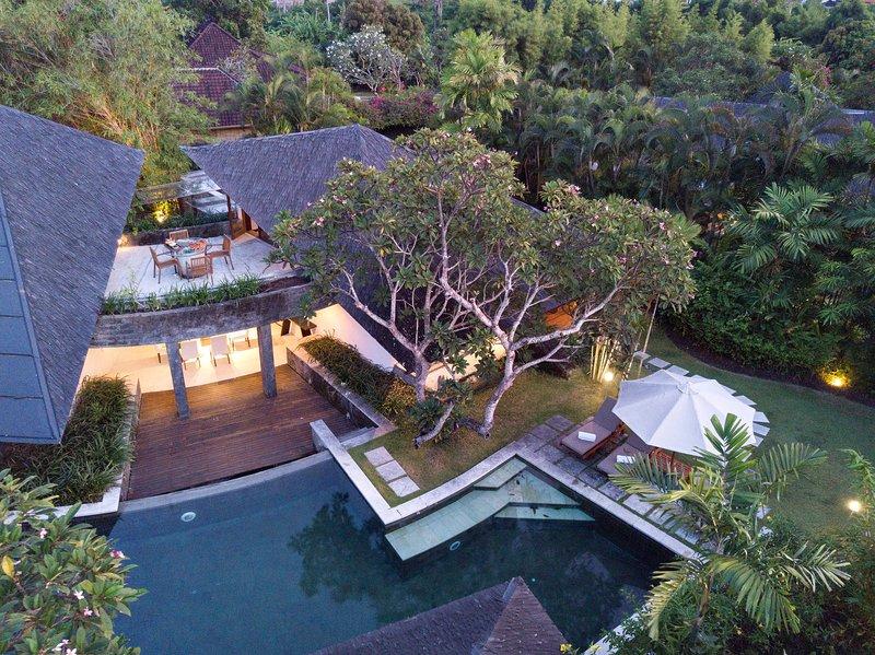 Artistic Luxury Villas in Ricefield - Sin Sin one, holiday rental in Kerobokan Kelod