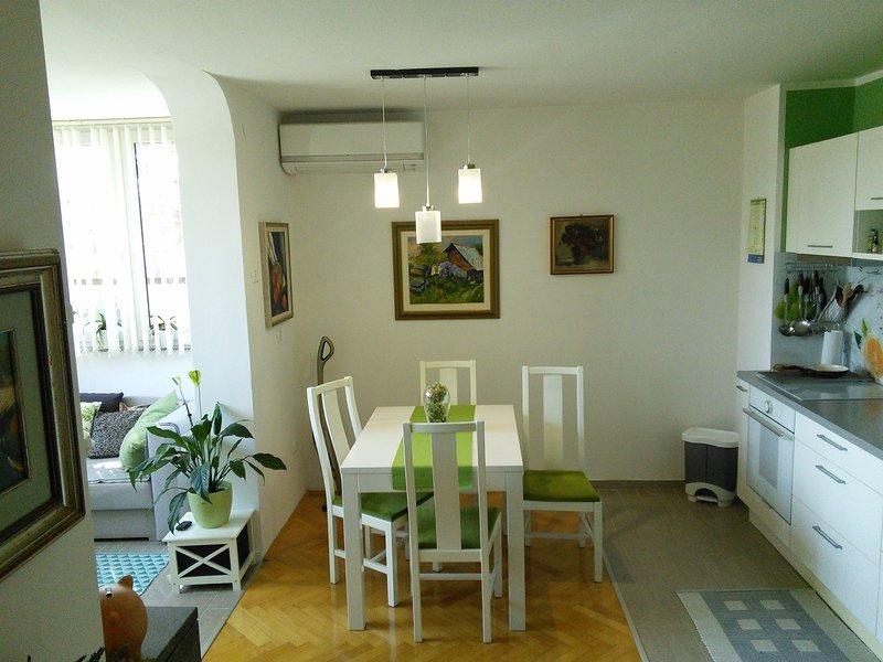 Apartment Koper Center V16, holiday rental in Hrvatini