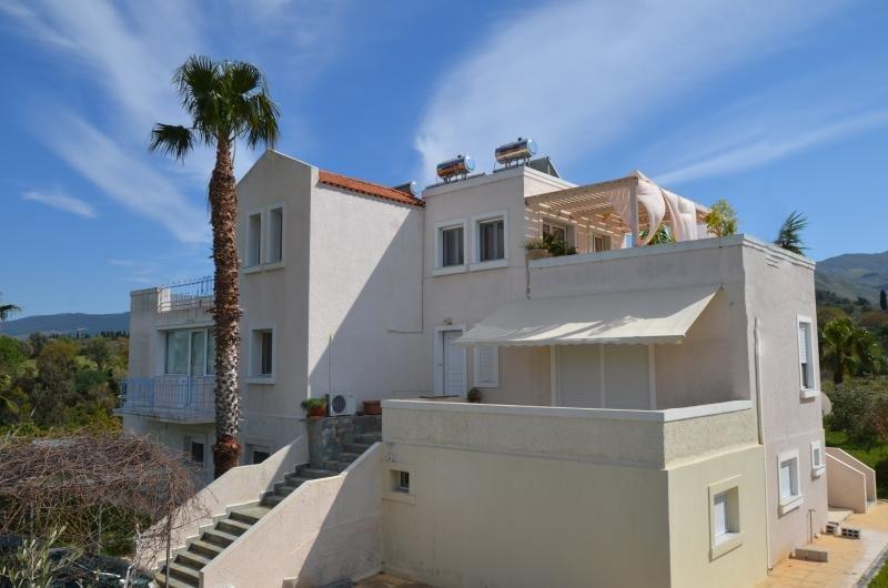 PLATON APARTMENT, holiday rental in Zipari