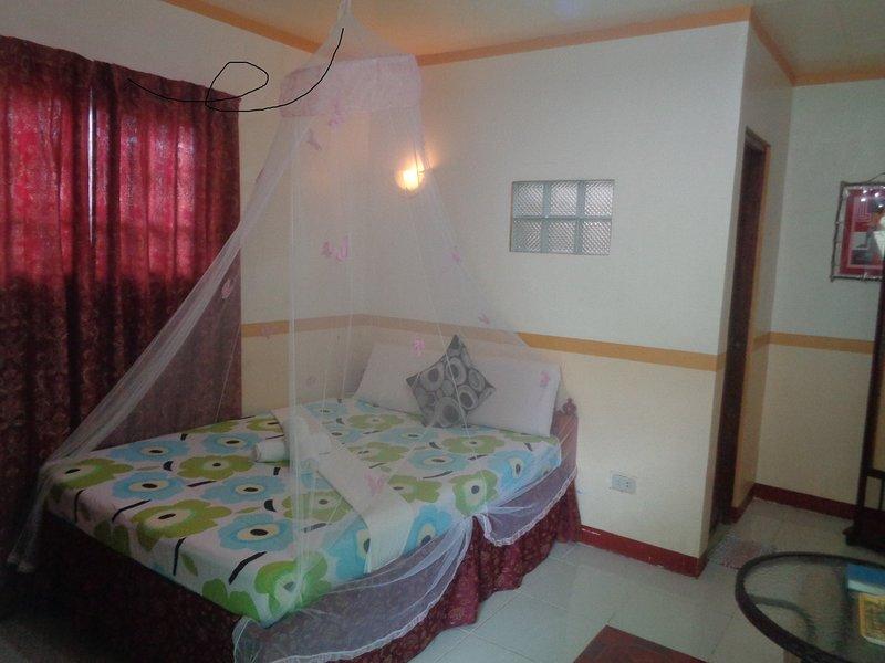 D' Lucky Garden Inn Couples Room 6, holiday rental in Bancao-Bancao