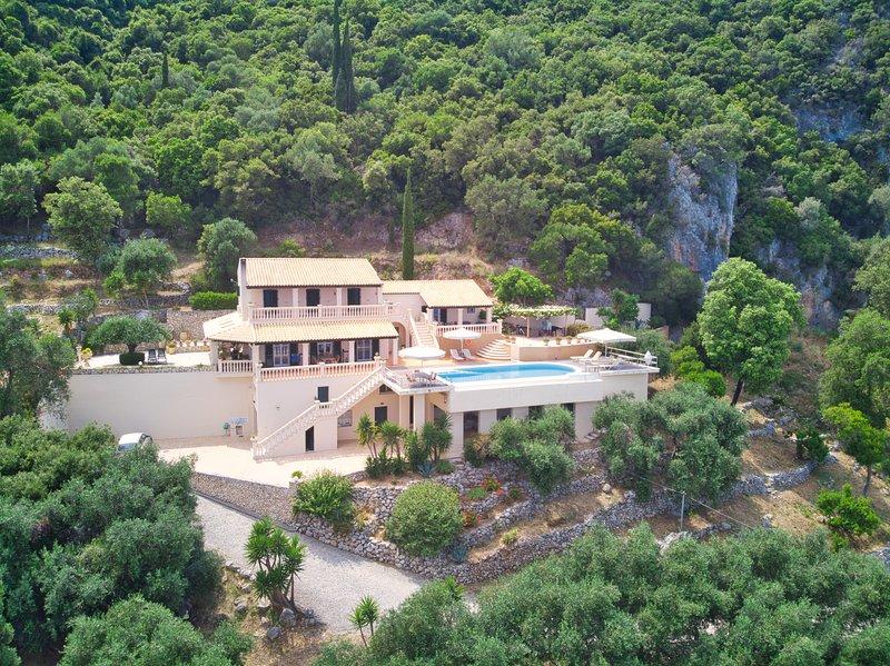 Villa Tsaki 12000 m2 de privacidad