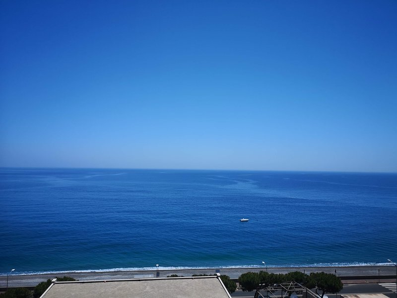 exclusive room penthouse with sea view, holiday rental in Casalvecchio Siculo