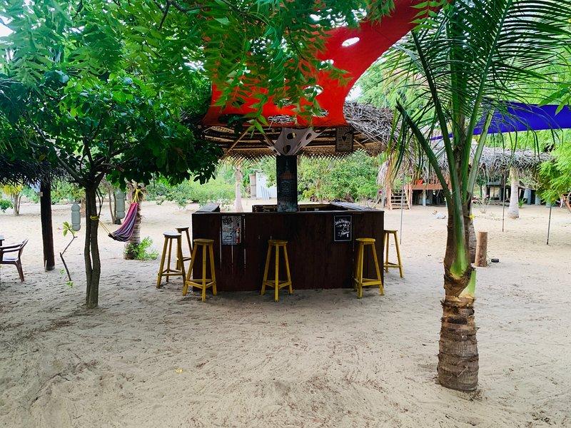 Ocean view cabana & Biile Bille Restaurant, holiday rental in Komari