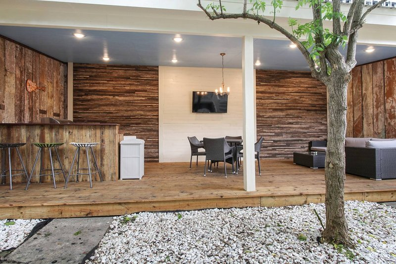 The Uptown HOT SPOT!, holiday rental in Lafitte