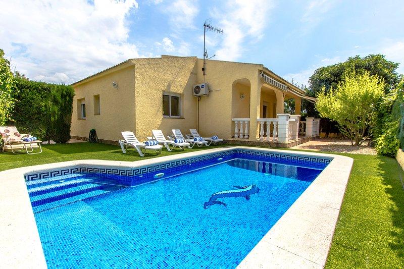 Catalunya Casas: Pleasing Villa Jolie in Calafell, just 4 km to the beach!, aluguéis de temporada em Calafell
