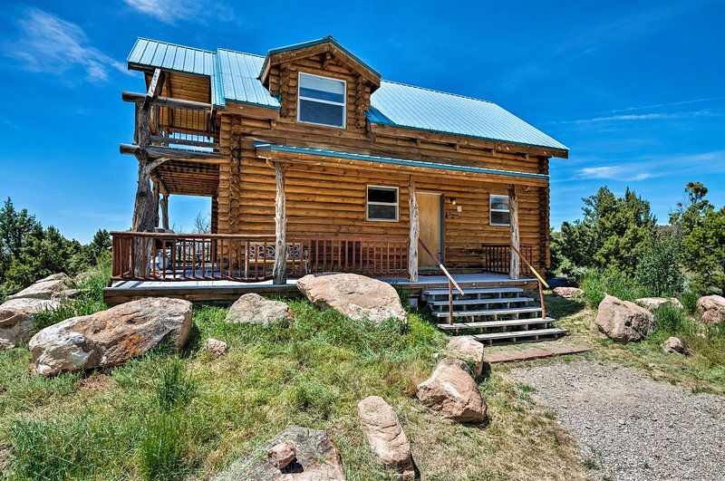 Downtown Moab is just 18 miles from this vacation rental, 'Pioneer Cabin 2!'