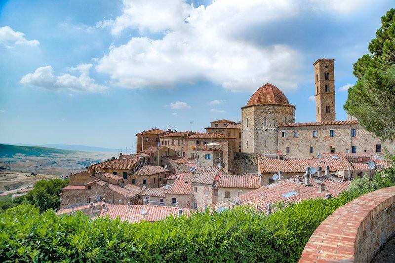 Elegante e raffinata villa, agriturismo vicino a  Volterra, holiday rental in Montecatini Val di Cecina