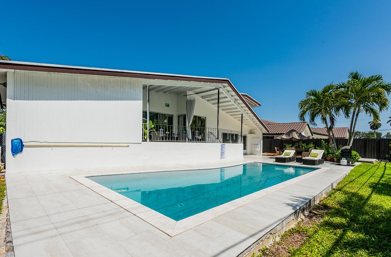 Beautiful Spacious Vacation Home Near Beaches, casa vacanza a Miami Gardens