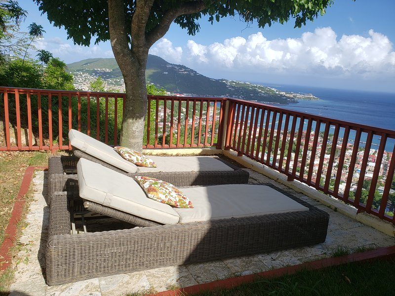 Endless Views! Not too good to be true!, vacation rental in Charlotte Amalie