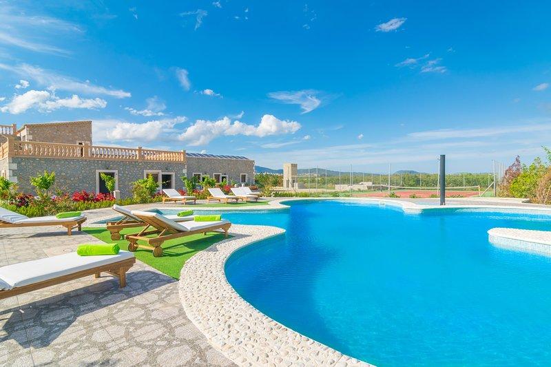 GRANJA SA VINYOTA 1 - Property for 6 people in Inca, aluguéis de temporada em Inca