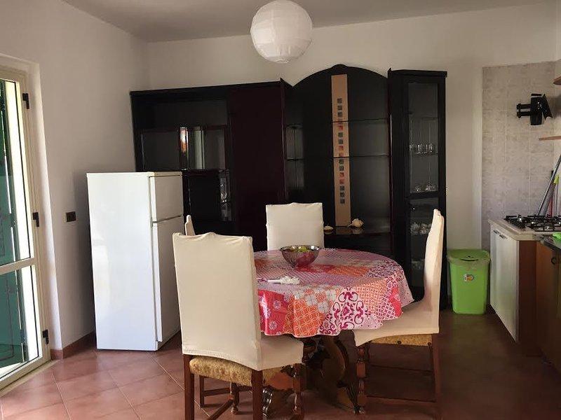 A San Sostene Marina, vicino Soverato a meno di 5 minuti a piedi dal mare!, holiday rental in Serra San Bruno