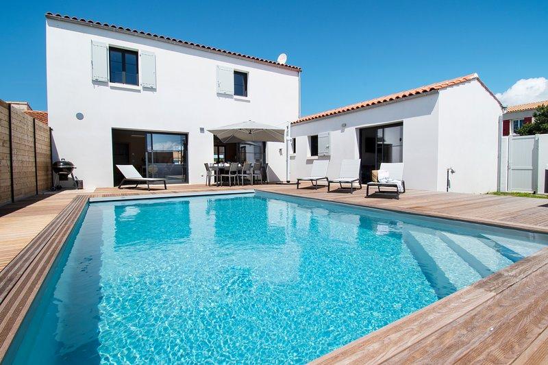 Luxueuse villa avec piscine chauffée, location de vacances à La Cotinière