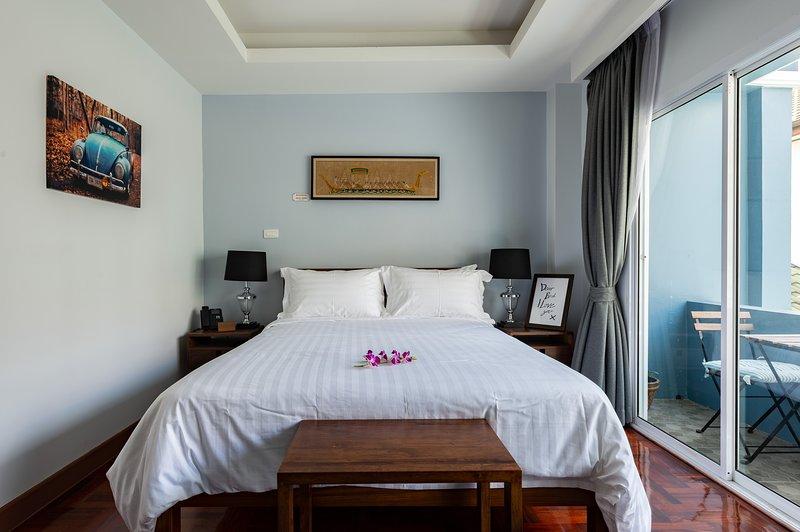 202 - The Juta Executive Suite at Maneeya Park Residence, holiday rental in Bangkok