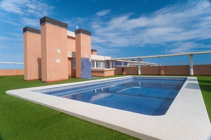 Maravilloso piso de 3 habitaciones en Oropesa del Mar, a 100 metros de la playa, holiday rental in Oropesa Del Mar