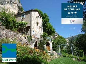 Gîte Côté Jardin 3*** au bord de la rivière et du jardin, coeur des Gorges Tarn, holiday rental in La Canourgue