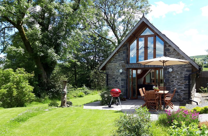 Gorgeous Detached barn conversion. Cardigan Bay / Cambrian Mountains Mid Wales, location de vacances à Pont-Rhyd-y-Groes