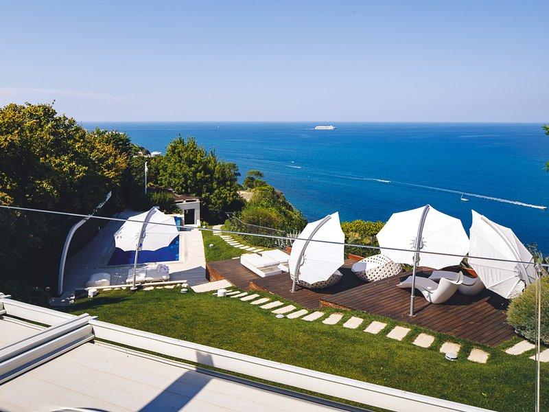 Pietra la Croce Villa Sleeps 8 with Pool Air Con and WiFi - 5807547, vakantiewoning in Ancona