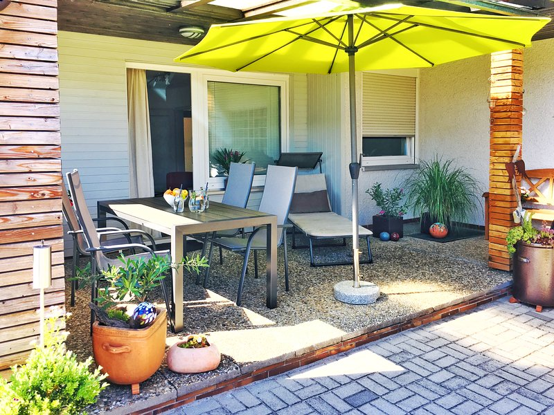 Ruhig gelegenes Ferienhaus mit Kaminofen, location de vacances à Neustadt an der Waldnaab