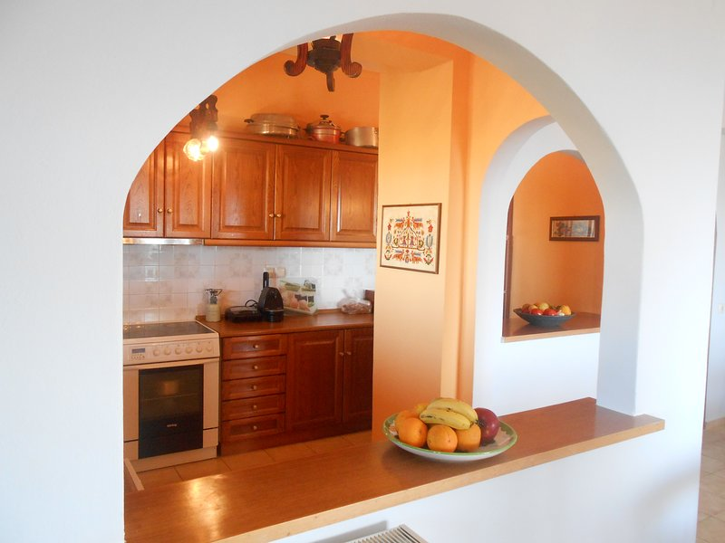 Panorama House in village Kournas. 7 min to sea, 3 min to local taverns., holiday rental in Kastellos