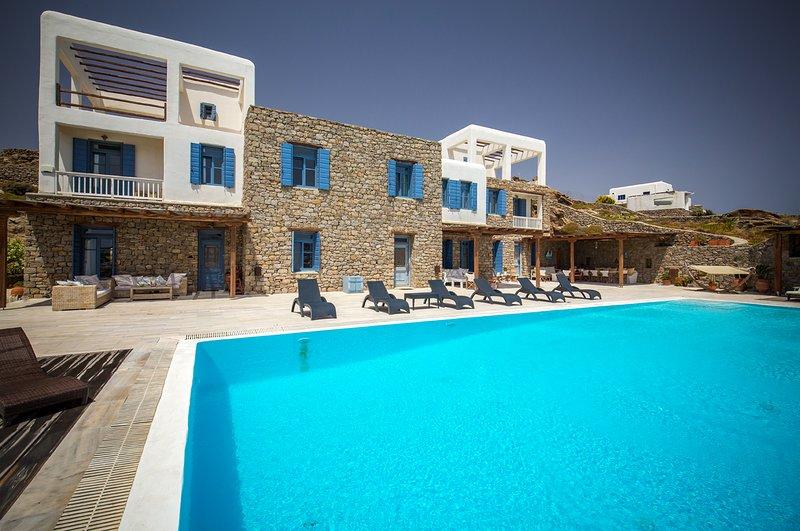 Paradise View Mykonos small Villa, aluguéis de temporada em Ornos