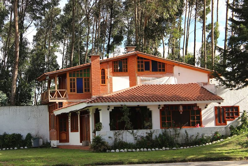 Luxuriouse Country House close to Airport, Cotopaxi and Pasochoa, alquiler de vacaciones en Sangolqui