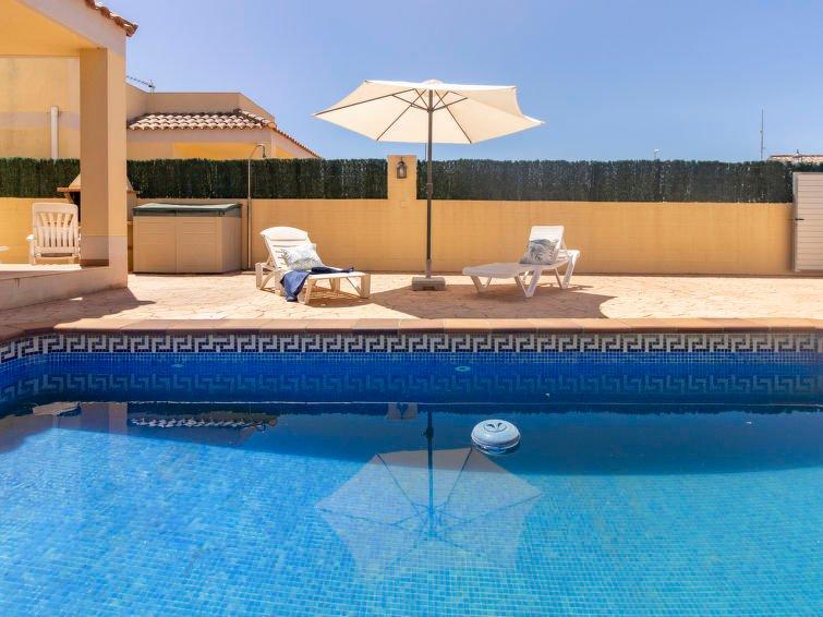 VILLA RIUMAR, zona Delta del Ebro+PISCINA PRIVADA, 6 PERS., aluguéis de temporada em Riumar
