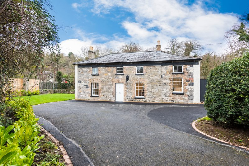 Beautiful and historical Cottage, holiday rental in Templeogue