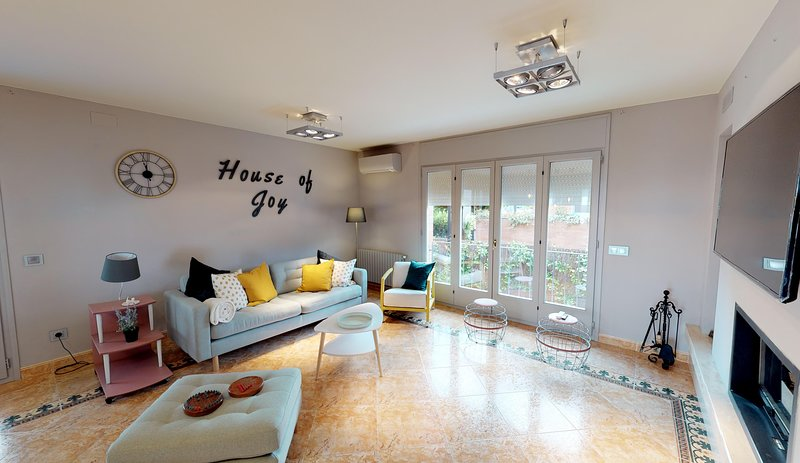 HOUSE OF JOY, vacation rental in Sales De Llierca