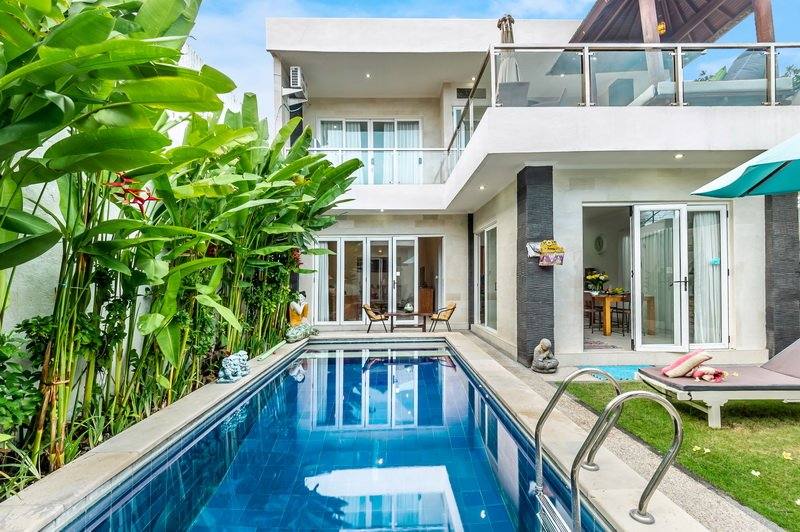Villa Mickey, 3 BR at Nakula, Seminyak., holiday rental in Kuta District
