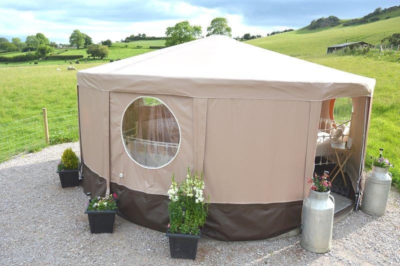 Meadow Rose Luxury 5 metre Tipt, holiday rental in Abergele