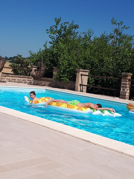 Apartments with swimming pool in the heart of Le Marche - APT FIORDALISO-, holiday rental in Montefortino