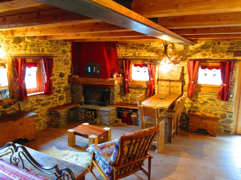 Chalet CuoreSelvatico - 'Camera Deluxe', vacation rental in Vione