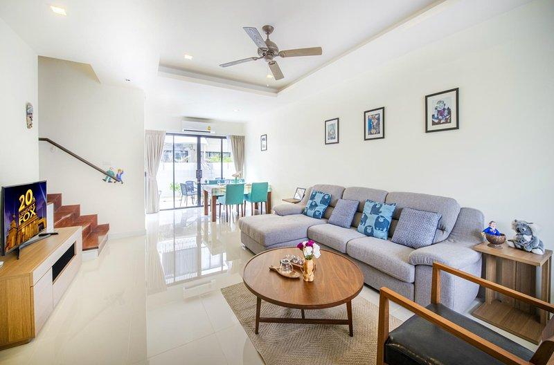 3 BDR Laguna Park Phuket Holiday Home, Nr. 7, holiday rental in Cherngtalay