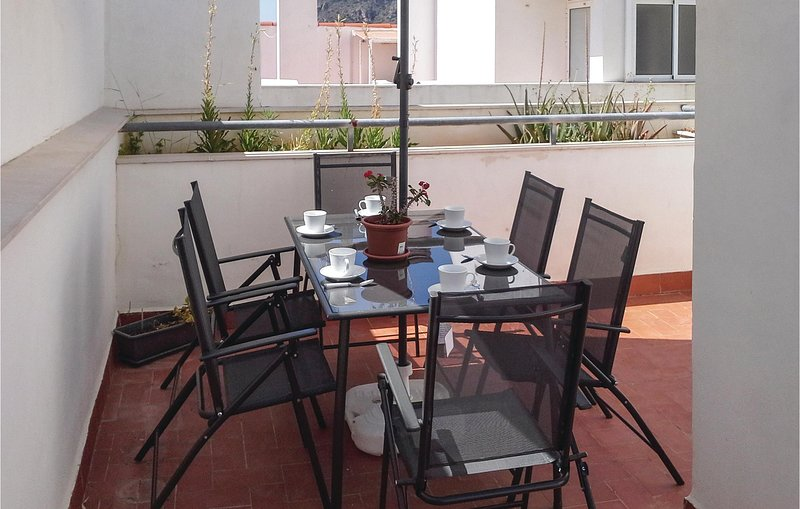 Awesome apartment in Portman with WiFi and 3 Bedrooms (ECC857), holiday rental in Portman