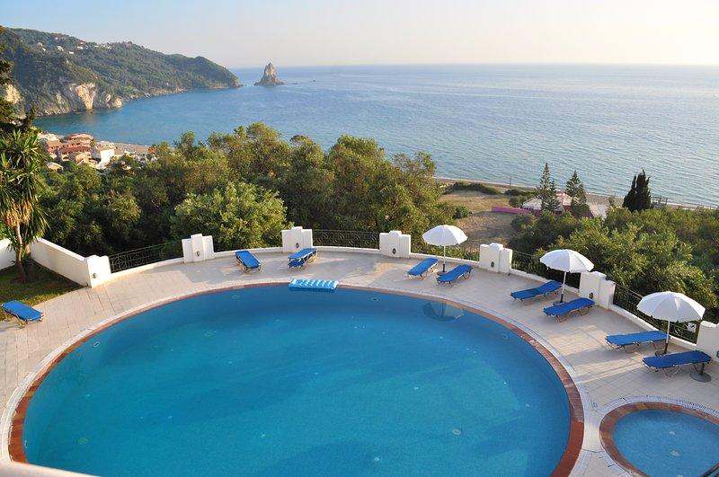 Apartments with pool maria on Agios Gordios Beach, holiday rental in Agios Gordios