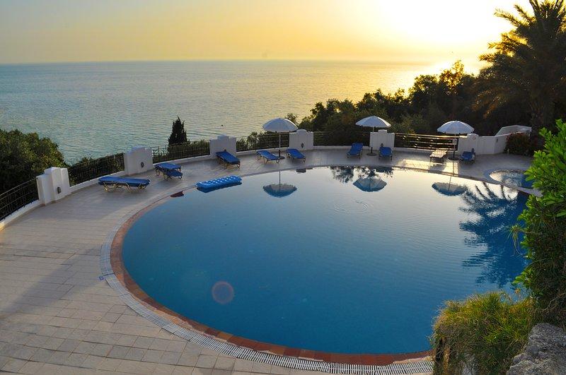 Agios Gordios Beach Holiday Apartments with pool maria, holiday rental in Agios Gordios