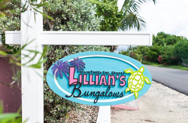 Lillian's Bungalows - UNDER HURRICANE REPAIR, Ferienwohnung in Green Turtle Cay