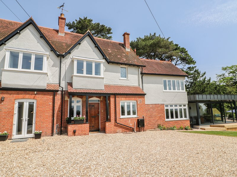 THE COACH HOUSE, luxury large house, close to beach, in Teignmouth.  Ref 101011, holiday rental in Teignmouth