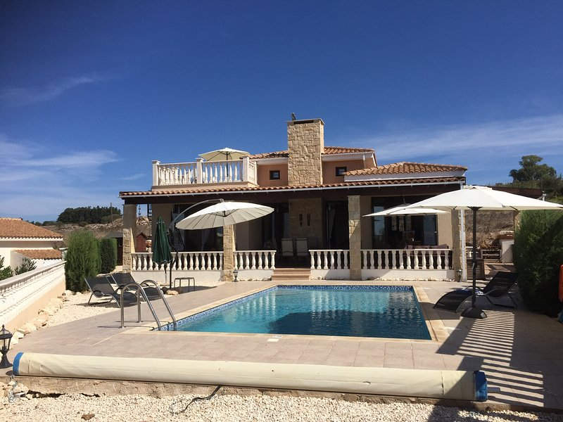 Villa Victoria, holiday rental in Pano Arodes