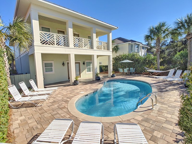 Sun Kiss'd Home. Large Private Pool!