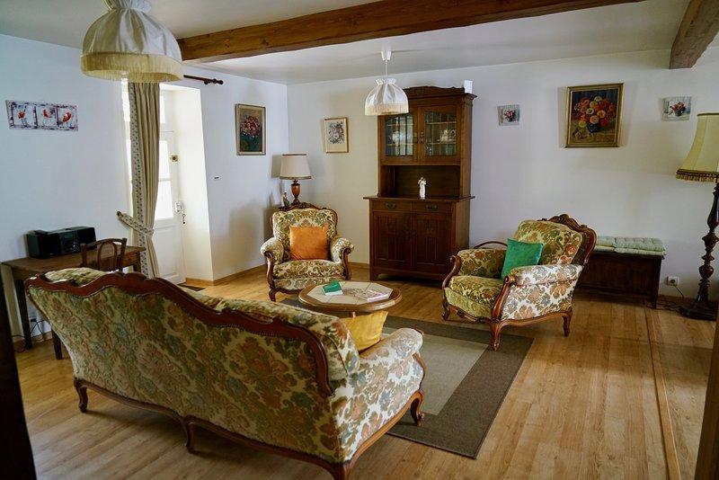Chez Nous Holiday Let, location de vacances à Le Dorat