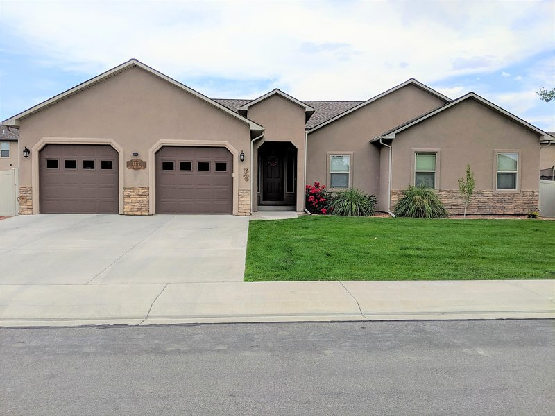 This home is located minutes from downtown Fruita