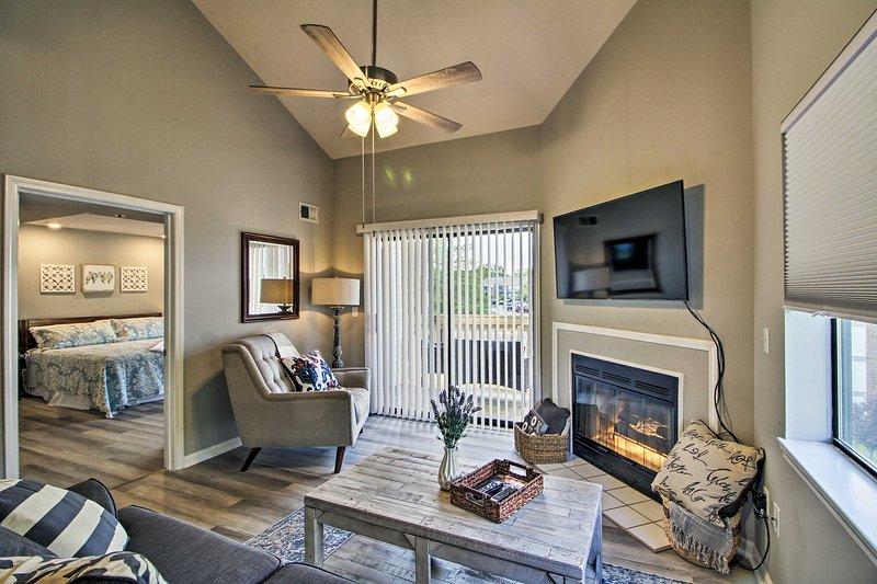 Le confort moderne et le luxe de villégiature vous attendent dans ce condo de la région de Branson!