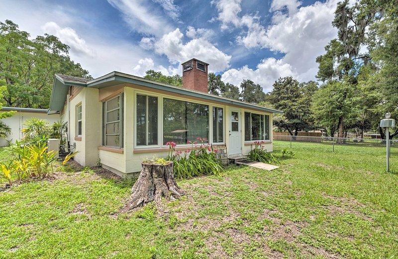 Sortez et découvrez le côté naturel de la Floride depuis cette superbe maison!