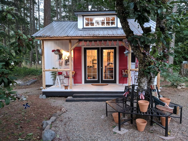 Glamping on the Row, holiday rental in Dorena